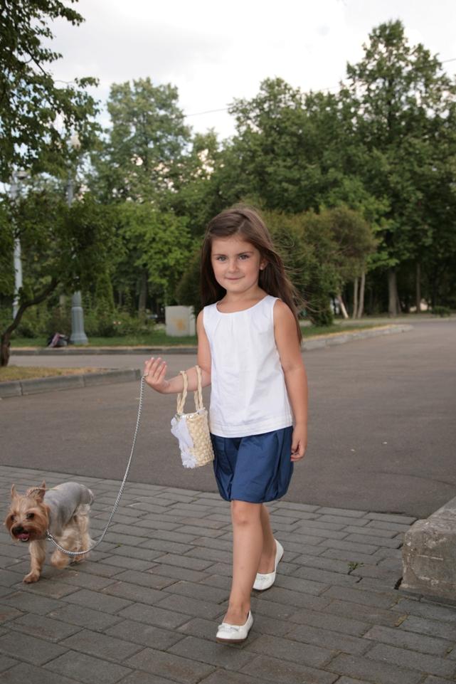 الطفله عآرضه الآزيآء الروسيه فآليري Valerie-Davidenko497